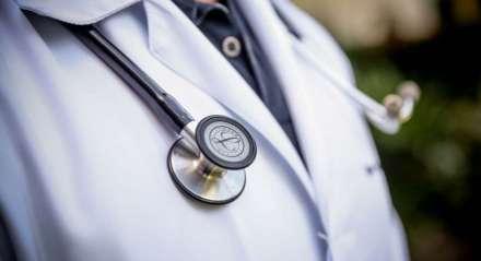 Doença - Coronavírus - Médico - População - Saúde - Tratamento - Estetoscópio