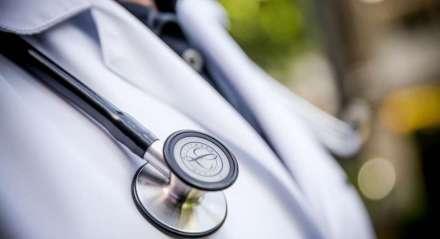 Doença - Coronavírus - Médico - População - Saúde - Tratamento. Estetoscópio.