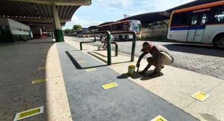 O Grande Recife começou a delimitar o espaço entre os passageiros nas filas dos terminais integrados da Região Metropolitana