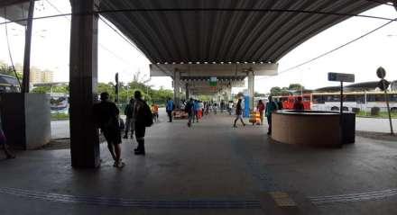 Terminal Integrado do Barro com pouco movimento após redução na frota de ônibus