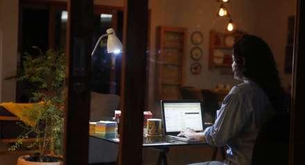 Cultura do home office, que era pouco adotada no Brasil, de uma hora pra outra precisou ser praticada