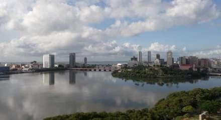A previsão do tempo para o Grande Recife é de céu parcialmente nublado