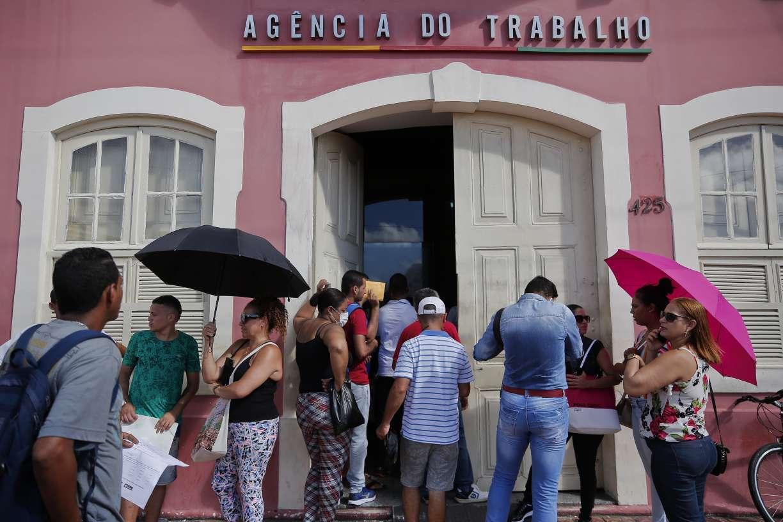 Pernambuco é o estado do Nordeste que mais fechou vagas de trabalho durante a pandemia