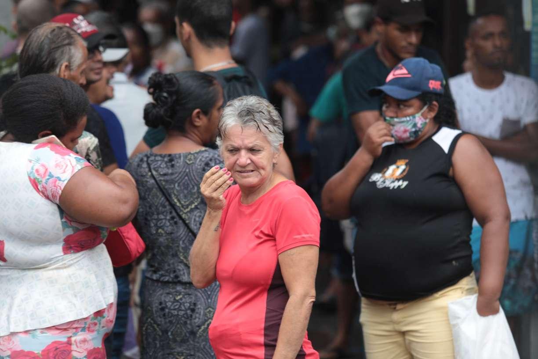 Líder em número de mortes diárias, Brasil assusta o mundo criando adjetivo sobre o isolamento