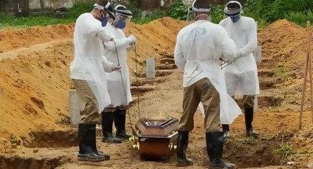 Do dia 23 de março até 19 de abril, os cemitérios públicos do Recife registraram 45 enterros de casos confirmados da covid-19