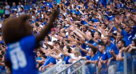 Cruzeiro foi rebaixado para a Série B e enfrenta uma das piores crises