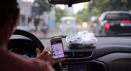 Motorista aplicativo uber máscara