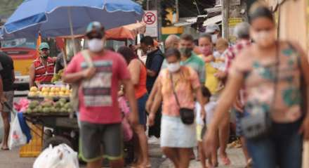 Centro de Jaboatão dos Guararapes na manhã desta terça-feira (19)