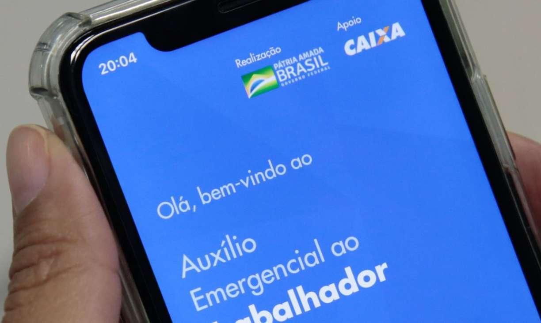Caixa bloqueia transferência de auxílio emergencial de R$ 600
