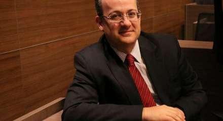 Gustavo Henrique de Brito Alves é advogado.