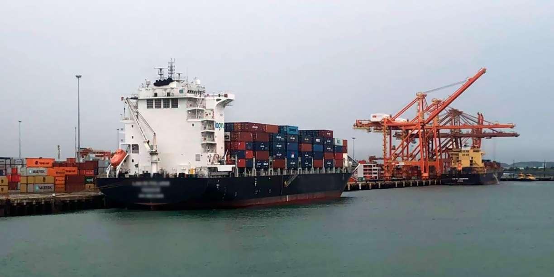 Porto de Suape tem segundo navio em quarentena após tripulante ser diagnosticado com coronavírus