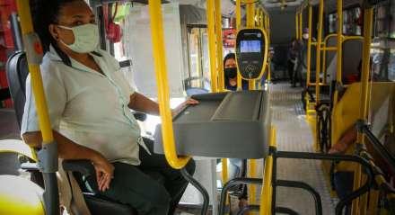 Transito - Ônibus - Carro - Transporte - Passageiro - Cidade - Covid-19