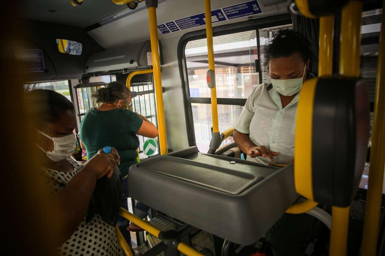 Todos os ônibus da Região Metropolitana do Recife voltarão a ter cobradores a partir de dezembro