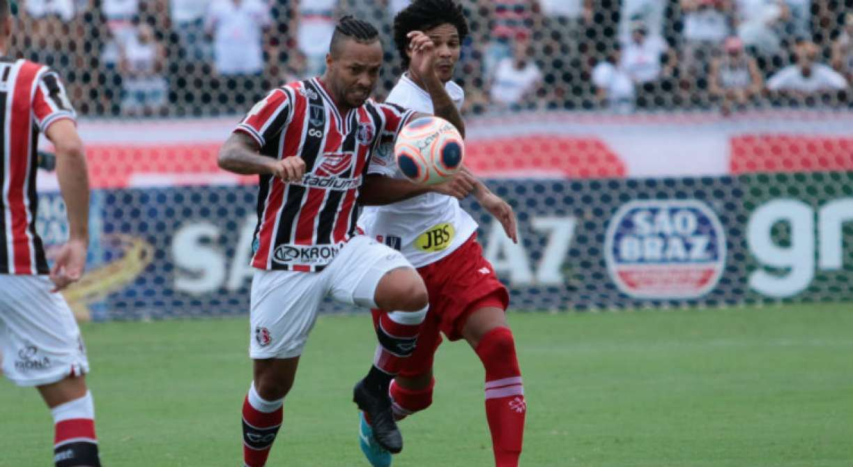 Um dos destaques do Santa Cruz, Paulinho mira conquistas no retorno do futebol