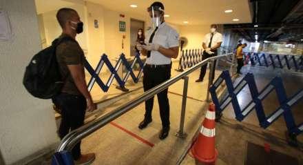 Novos equipamentos no Shopping Rio Mar para prevenção do contágio do novo Coronavírus, Covid-19. Local onde funcionará a checagem dos visitantes. Recife, Pernambuco,Brasil.