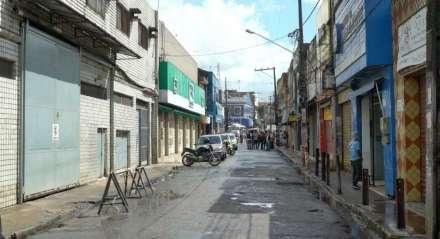 Comércio fechado em Jaboatão dos Guararapes, no Grande Recife