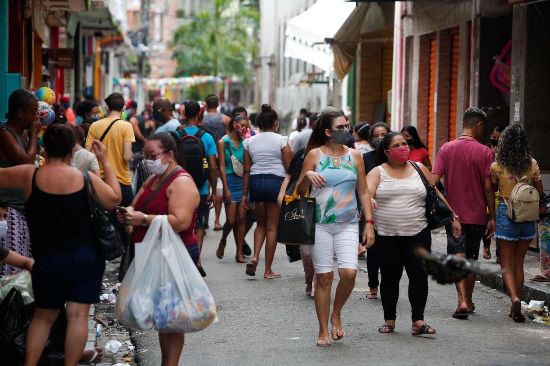 Pernambuco proíbe atividades não essenciais a partir deste sábado. Medida vale das 22h às 5h