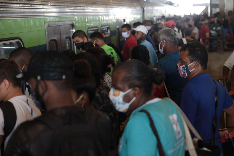 Transporte público, aglomerações e demagogia