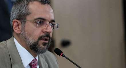 Ministro enfrenta desgaste com STF
