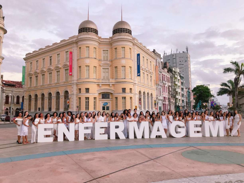 Turma de enfermagem da UPE se forma em cerimônia online e se junta à batalha contra o coronavírus