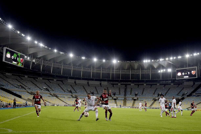 Com rígido protocolo de prevenção, Flamengo vence Bangu na volta do Estadual do Rio