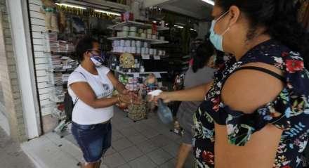 FOTO: WELINGTON LIMA/JC IMAGEM DATA: 23.06.2020 ASSUNTO: Reabertura do comércio centro do Recife após diminuição das restrições durante a pandemia do coronavírus
