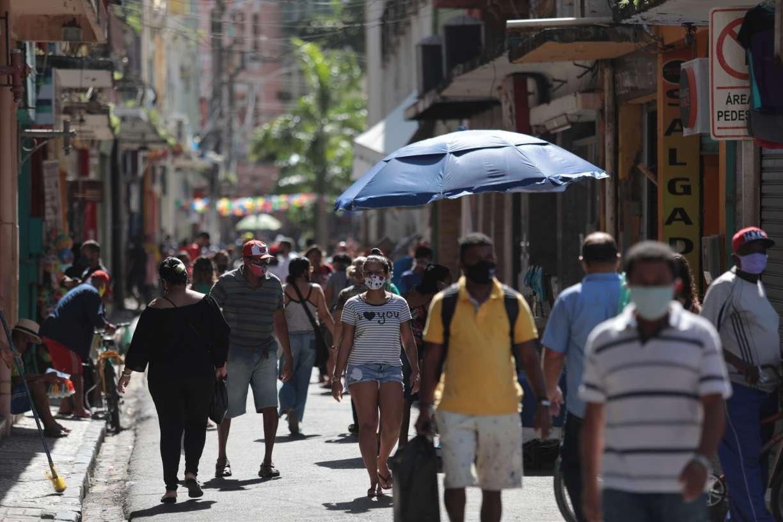 Pernambuco bate, pelo sexto dia consecutivo, recorde na média móvel de casos da covid-19