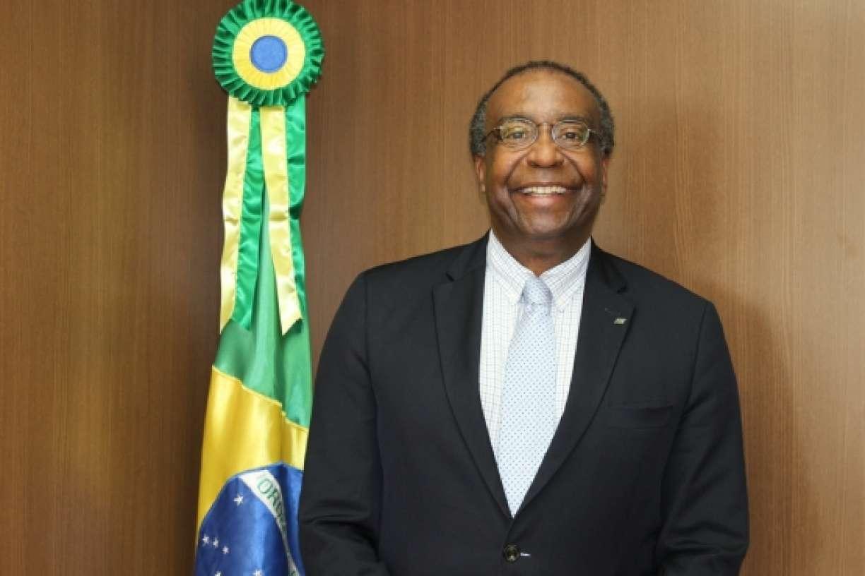 Saiba quem é Carlos Alberto Decotelli, novo ministro da Educação