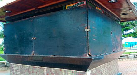 Quiosques da orla de Boa Viagem foram vandalizados durante a pandemia