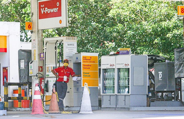 Com menos carros nas ruas, postos de combustíveis demitem quase 7 mil na Bahia