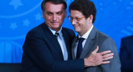 O presidente da República, Jair Bolsonaro e o ministro do Meio Ambiente, Ricardo Salles, participam da solenidade de lançamento do Programa Lixão Zero