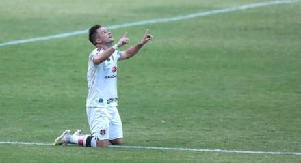 Pipico chegou aos seis gols no Estadual.