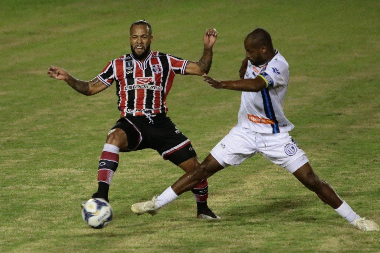 Confiança enfrenta Bahia por vaga inédita na final da Copa do Nordeste
