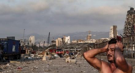 Nas proximidades do distrito portuário, os danos e a destruição são enormes.