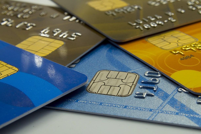 Black Friday: pesquisa aponta que um a cada 6 brasileiros já teve cartão de crédito clonado