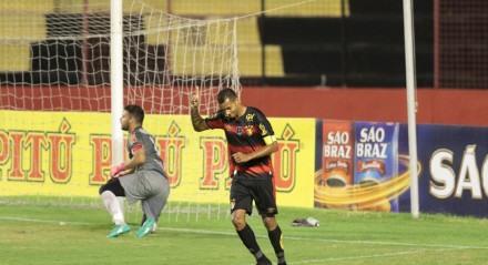 Jogo entre os times de futebol do Sport X Petrolina valido pelo campeonato pernambucano e futebol A1, realizado na Ilha do Retiro em Recife, Pernambuco.