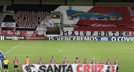 Jogo entre os times de futebol do Santa Cruz X Salgueiro valido pela final do campeonato pernambucano e futebol A1, realizado no estádio do Arruda em Recife, Pernambuco.