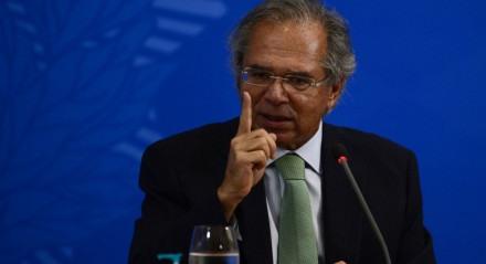 O ministro da Economia, Paulo Guedes, fala à imprensa no Palácio do Planalto, sobre os 500 dias de governo