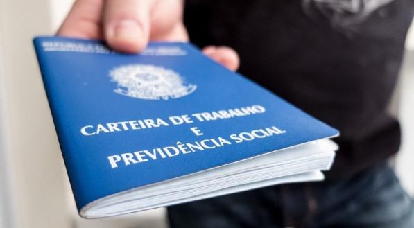 Prefeitura de Olinda abre seleção com mais de 200 vagas e salários que passam de R$ 2,1 mil