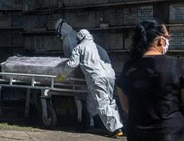 Enterro em Salvador durante pandemia do novo coronavírus