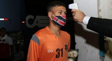 Kleiton é uma das opções do ataque do Santa Cruz para duelo contra o Paysandu