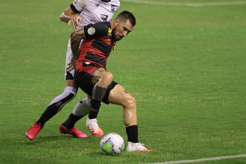 Jonatan Gomez consegue rescisão indireta do contrato com Sport