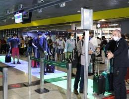 O Tapete Azul da Linhas Aéreas Azul, oferece mais tecnologia para dar segurança aos passageiros contra o coronavírus, no Aeroporto Internacional do Recife/Guararapes.