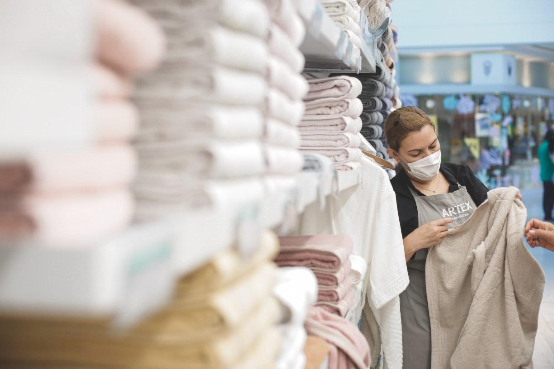 Auxílio emergencial e isolamento social impulsionam vendas do setor de cama, mesa e banho