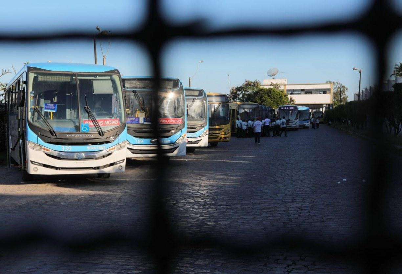 Governo de Pernambuco amplia prazo para volta dos cobradores e fim da dupla função nos ônibus do Grande Recife
