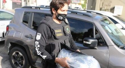 Operação da Polícia Civil cumpre mandados no Recife e Toritama.