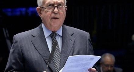 Jarbas Vasconcelos é Senador da República eleito por Pernambuco
