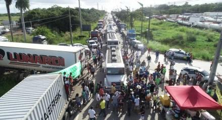 Greve dos Caminhoneiros continuam mobilizados em Pernambuco