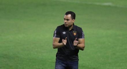 Lance do jogo entre o Sport e o Goiás válido pela oitava rodada do campeonato brasileiro de futebol serie A, na Ilha do Retiro em Recife, Pernambuco.