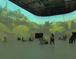 Exposição oferece experiência imersiva em Paris
